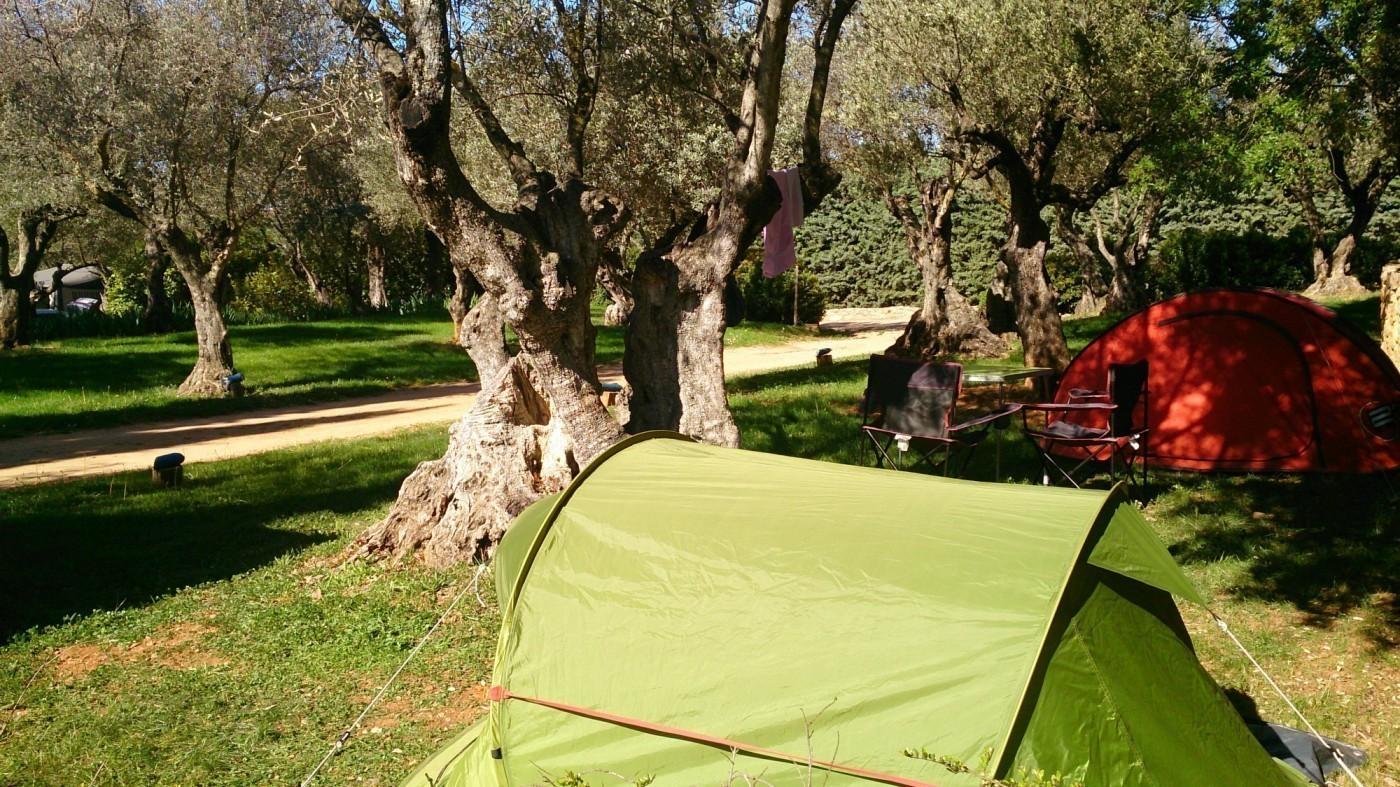 Wat wordt beschouwd als een volledige aansluiting Camping