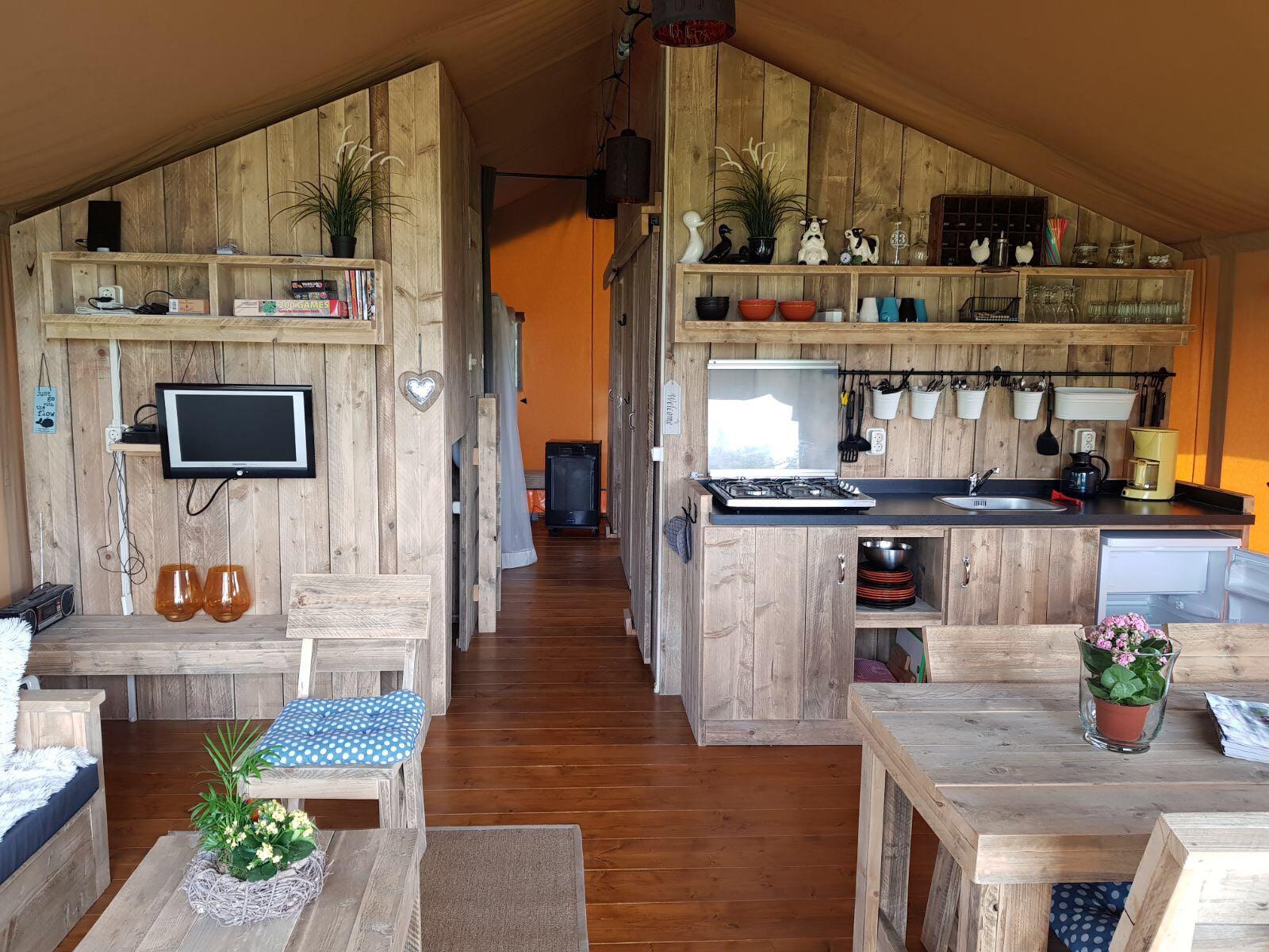 Camping de Stjelp glamping
