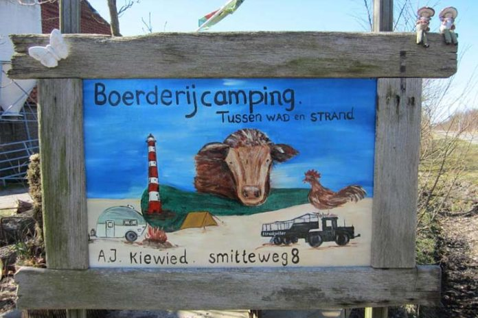 camping tussen wad strand