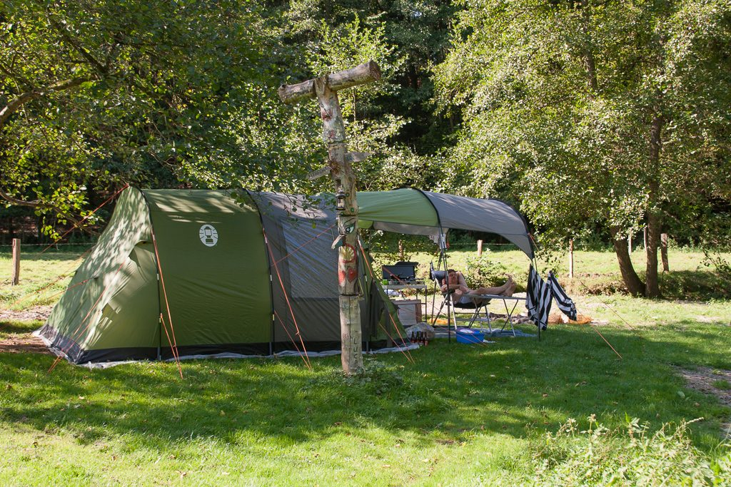 Camping Du Pouhou Terrein