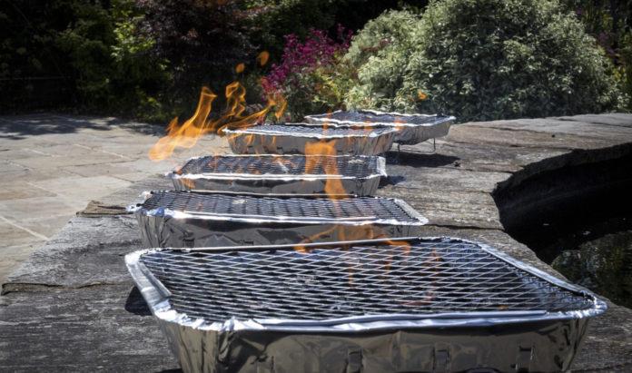 Tips om kwalitatief vlees te grillen op een wegwerp BBQ
