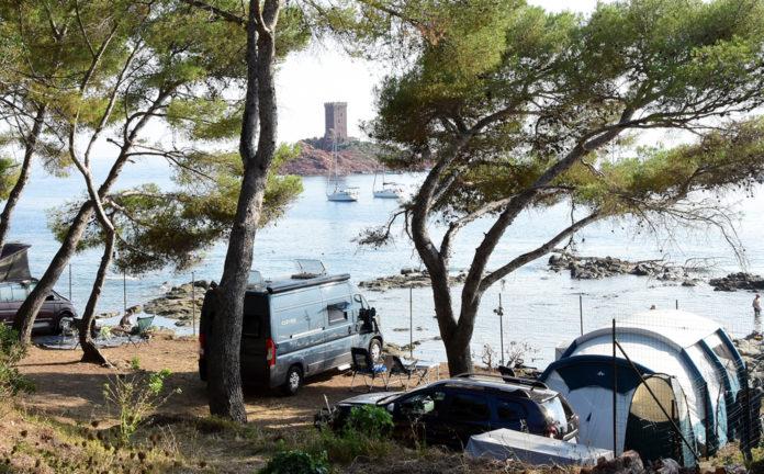 Camping La Plage du Dramont in een idyllische omgeving