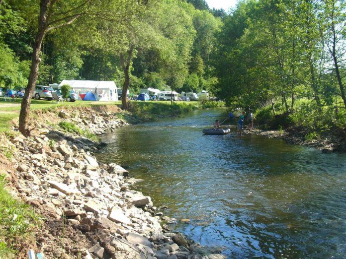 Camping Prümtal langs de rivier de Prüm