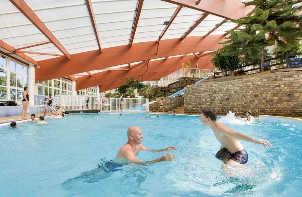 bijzonder waterpark met overdekt zwembad
