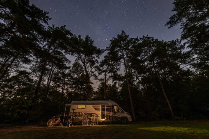 De beste kampeerplekken in Nederland om de meteorietenregen te bewonderen