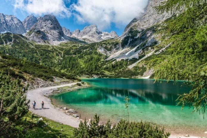 Hype: e-mountainbiken in de Alpen